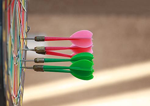 Sports Target「Darts in dartboard」:スマホ壁紙(4)