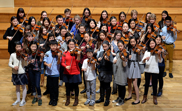Violin「Young Violin Prodigies Arrive For Menuhin Competition」:写真・画像(9)[壁紙.com]