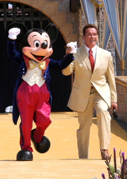 ミッキーマウス「Disneyland's 50th Anniversary」:写真・画像(14)[壁紙.com]