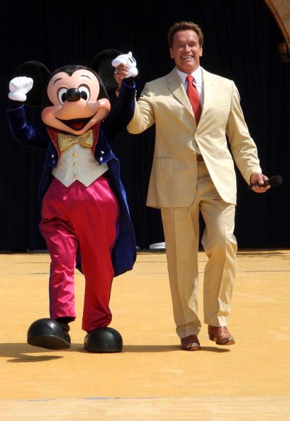 Mickey Mouse「Disneyland's 50th Anniversary」:写真・画像(10)[壁紙.com]