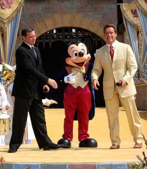 Mickey Mouse「Disneyland's 50th Anniversary」:写真・画像(9)[壁紙.com]