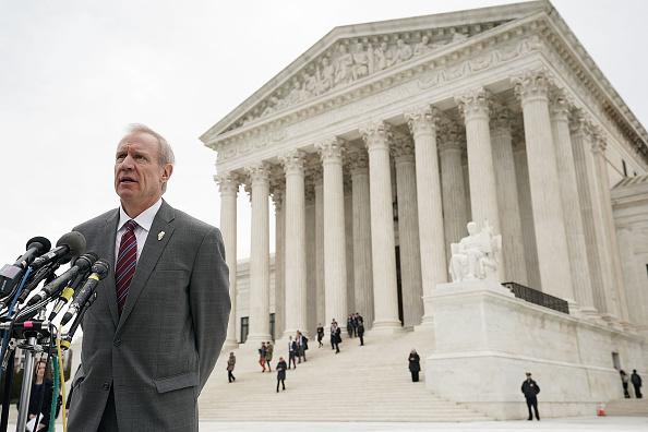 Illinois「Supreme Court Hears Major Challenge To Union Membership In Janus v. AFSCME」:写真・画像(5)[壁紙.com]