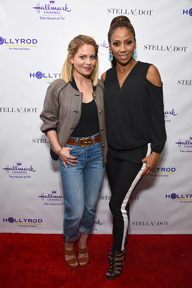 Fully Unbuttoned「Stella & Dot x HollyRod Foundation Charity Trunk Show for Autism Awareness Month」:写真・画像(15)[壁紙.com]