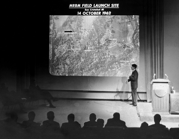 Crisis「FILE PHOTO  40th Anniversary Of Cuban Missile Crisis」:写真・画像(3)[壁紙.com]