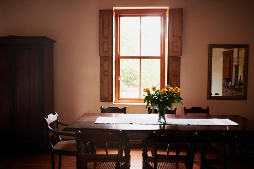Table Runner「Flowers make a house a home」:スマホ壁紙(7)