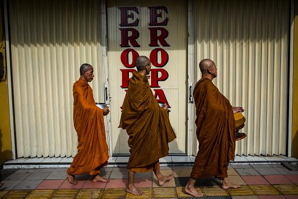 Buddhism「Indonesian Buddhists Celebrate The Birth Of Buddha」:写真・画像(12)[壁紙.com]