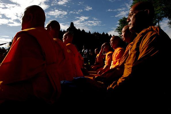 Buddha「Indonesia Commemorates Buddha's Birthday」:写真・画像(17)[壁紙.com]