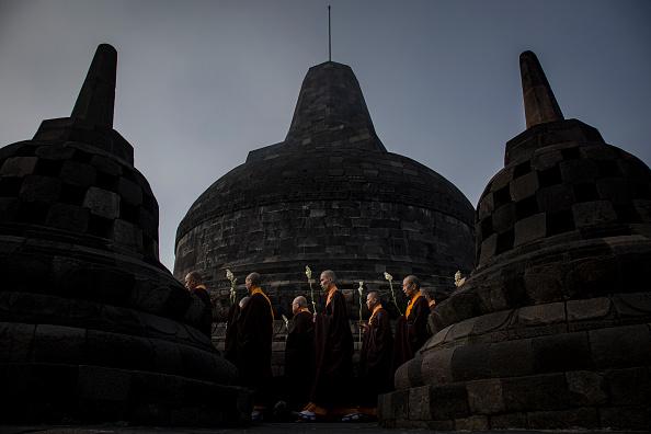 Bestof「Indonesia Commemorates Buddha's Birthday」:写真・画像(12)[壁紙.com]