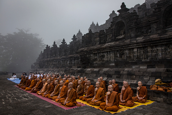 お祭り「Indonesia Commemorates Buddha's Birthday」:写真・画像(14)[壁紙.com]