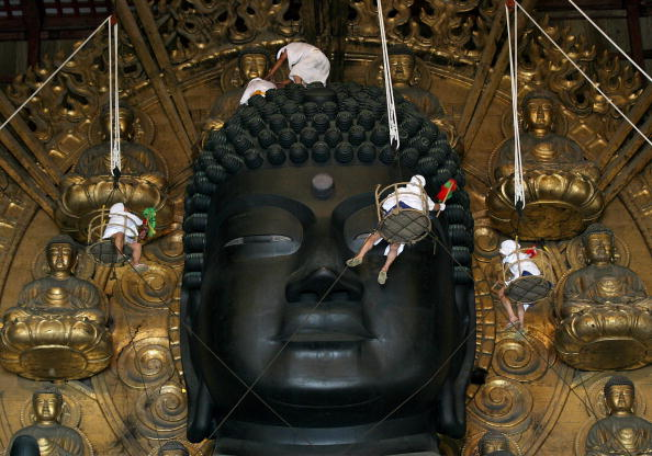 東大寺「Traditional Dusting Of The Great Buddha」:写真・画像(7)[壁紙.com]