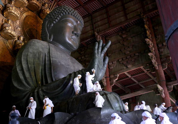 東大寺「Traditional Dusting Of The Great Buddha」:写真・画像(19)[壁紙.com]