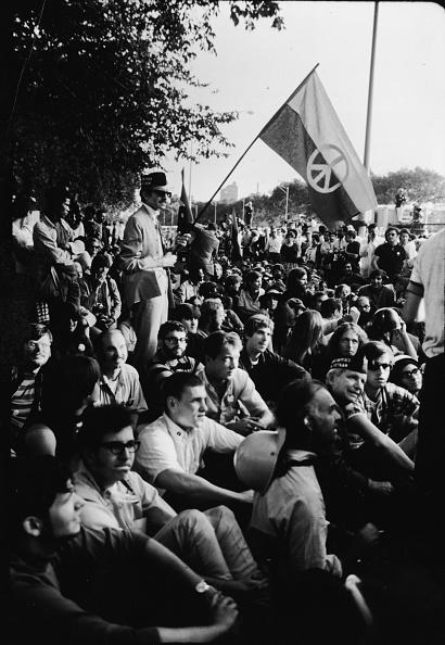 Democratic National Convention「Protestors Outside The 1968 Democratic National Convention」:写真・画像(8)[壁紙.com]