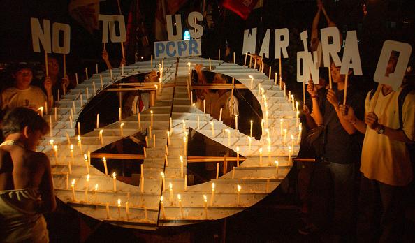 Symbols Of Peace「Anti-War Demonstrators Protest In Manila」:写真・画像(11)[壁紙.com]