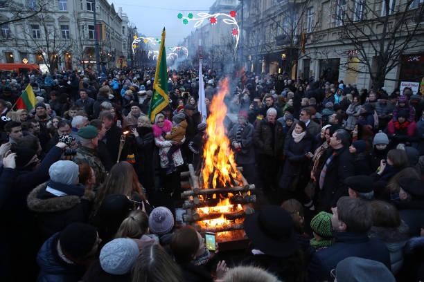 Sean Gallup「Lithuania Celebrates 100th Anniversary Of Restoration Of Statehood」:写真・画像(14)[壁紙.com]