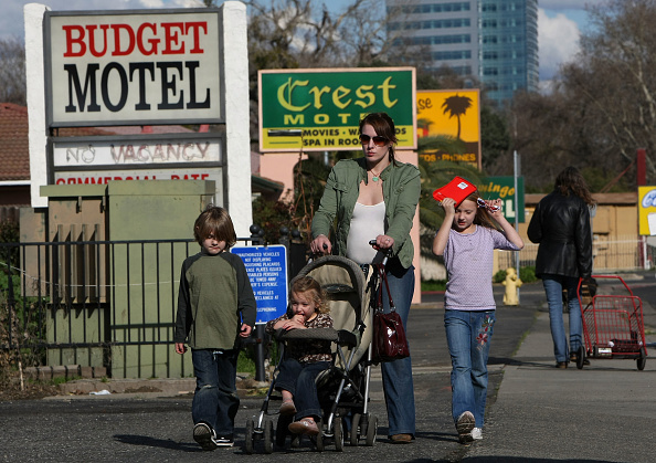 Homelessness「Homeless Family Placed In Hotel After Eviction」:写真・画像(5)[壁紙.com]