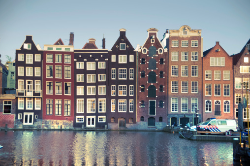 Amsterdam「Dutch Architecture over the Canals of Amsterdam, Netherlands」:スマホ壁紙(14)