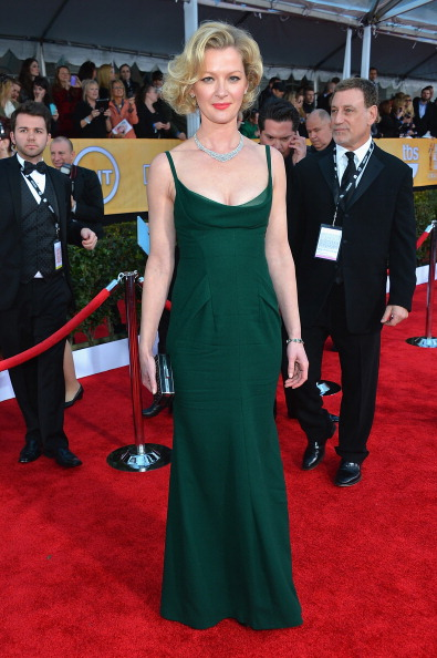 Scooped Neck「19th Annual Screen Actors Guild Awards - Red Carpet」:写真・画像(0)[壁紙.com]