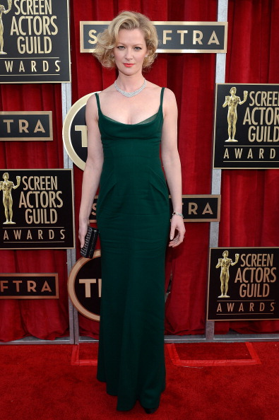 Scooped Neck「19th Annual Screen Actors Guild Awards - Red Carpet」:写真・画像(1)[壁紙.com]