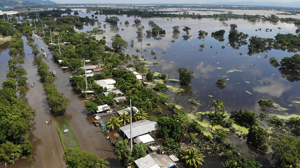 ETA「Aftermath Of Tropical Storm Eta In Honduras」:写真・画像(0)[壁紙.com]
