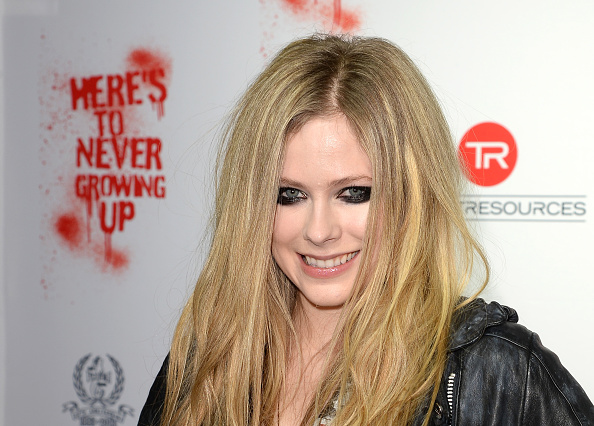 アヴリル・ラヴィーン「Avril Lavigne Secret Performance At Viper Room - Arrivals」:写真・画像(6)[壁紙.com]