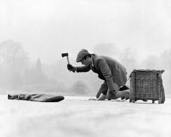 Fisherman「Ice Fishing」:写真・画像(8)[壁紙.com]