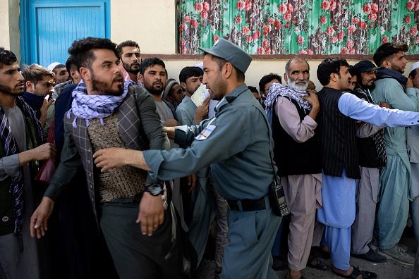 Problems「More Displaced Afghans Arrive In Kabul As Taliban Gains Ground」:写真・画像(12)[壁紙.com]