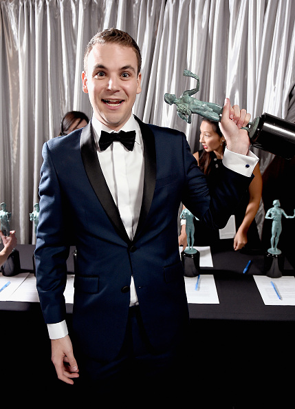Three Quarter Length「The 23rd Annual Screen Actors Guild Awards - Trophy Room」:写真・画像(4)[壁紙.com]