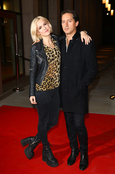 Black Jeans「'Two For Joy' UK Premiere - Red Carpet Arrivals」:写真・画像(15)[壁紙.com]
