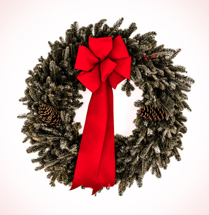 Pine Cone「Evergreen wreath with red bow」:スマホ壁紙(17)