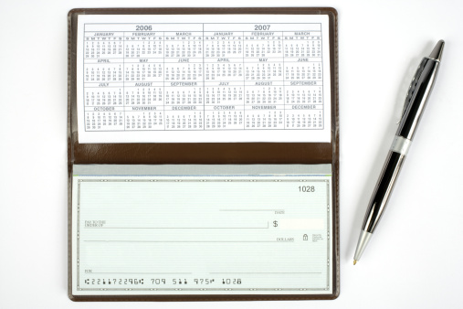 Banking「Open Check book with pen」:スマホ壁紙(0)