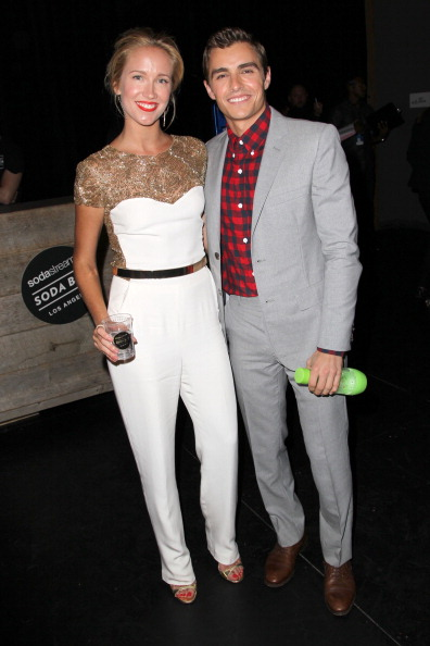 Crockery「2013 Young Hollywood Awards Presented By Crest 3D White, SodaStream And The CW Network - Sponsors」:写真・画像(2)[壁紙.com]