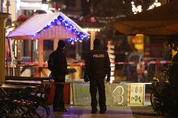 Christmas Market「Explosive Device Discovered at Potsdam Christmas Market」:写真・画像(15)[壁紙.com]