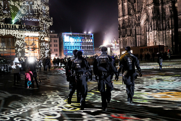 Cologne「Cologne Celebrates New Year's Eve Under Heightened Security」:写真・画像(17)[壁紙.com]