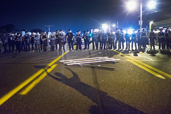 Missouri「Ferguson Tense After Shootout On Anniversary Of Michael Brown's Death」:写真・画像(4)[壁紙.com]