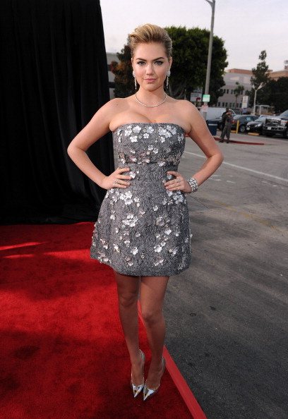 "Embellished Dress「Premiere Of Twentieth Century Fox's ""The Other Woman"" - Red Carpet」:写真・画像(11)[壁紙.com]"