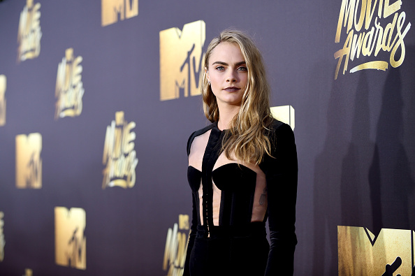 横位置「2016 MTV Movie Awards - Red Carpet」:写真・画像(3)[壁紙.com]