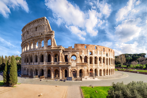 Roman「Colosseum in Rome without people in the morning, italy」:スマホ壁紙(12)