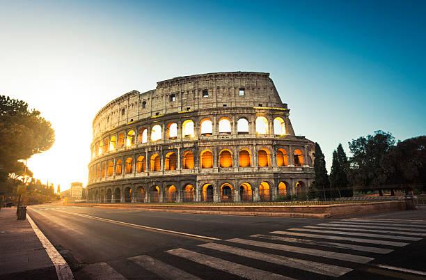 Colosseum in Rome, Italy at sunrise:スマホ壁紙(壁紙.com)