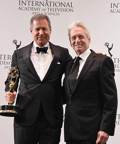 43rd International Emmy Awards - Press Room:ニュース(壁紙.com)