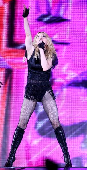 Human Arm「Madonna Performs In Rome」:写真・画像(11)[壁紙.com]
