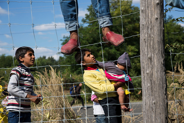 2015-2016 European Migrant Crisis「Migrants Continue To Arrive In Hungary」:写真・画像(6)[壁紙.com]