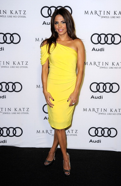 Yellow Dress「Audi Celebrates The 2012 Golden Globe Awards - Arrivals」:写真・画像(6)[壁紙.com]