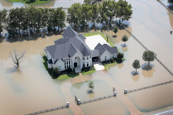 Torrential Rain「Southeast Texas Inundated After Harvey Makes Second Pass Over The Region」:写真・画像(12)[壁紙.com]