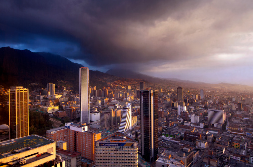 Overcast「Bogota at Sunset」:スマホ壁紙(8)