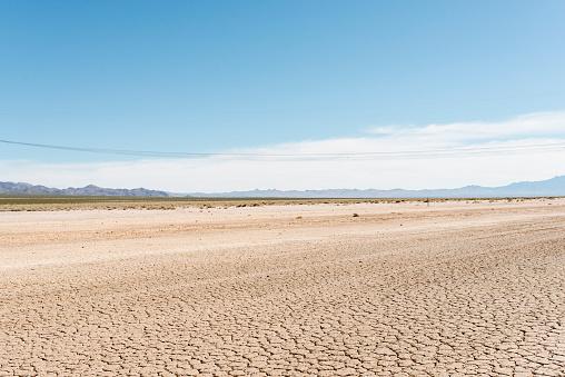 Savannah「Cracked, dry soil in Nevada」:スマホ壁紙(19)