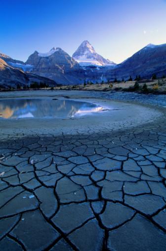 Mt Assiniboine「Canada, BC, Mt. Assiniboine Provincial Park, dried lake」:スマホ壁紙(5)