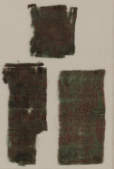 Circa 14th Century「Three Fragments Of Italian Gothic Silk」:写真・画像(17)[壁紙.com]