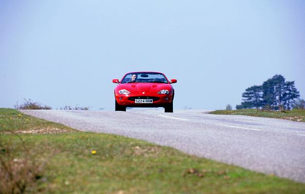 Horizon「1999 Jaguar XKR」:写真・画像(8)[壁紙.com]