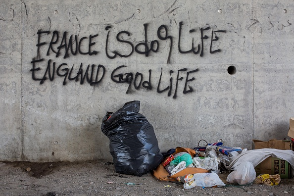Graffiti「Calais Migrants Attempt To Find A Way To Reach The UK」:写真・画像(19)[壁紙.com]