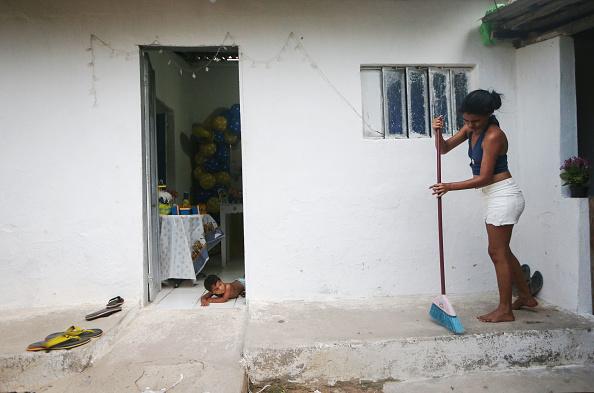 Effort「Families Face Challenges To Provide Care For Brazil's Zika Babies」:写真・画像(5)[壁紙.com]